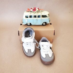 NW Baby BOY Shoes - Size 5